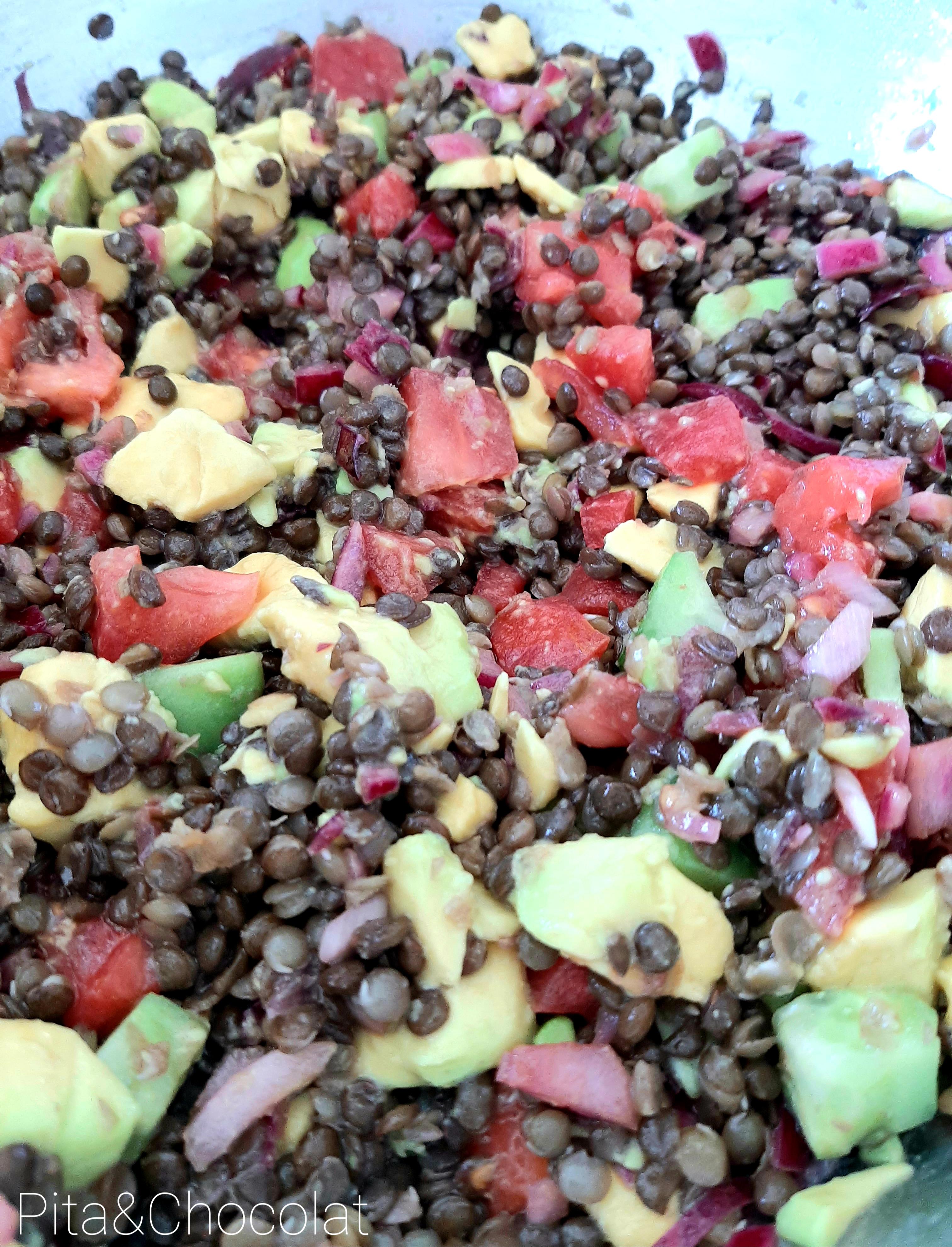 Lentilles noires en salade fraîche
