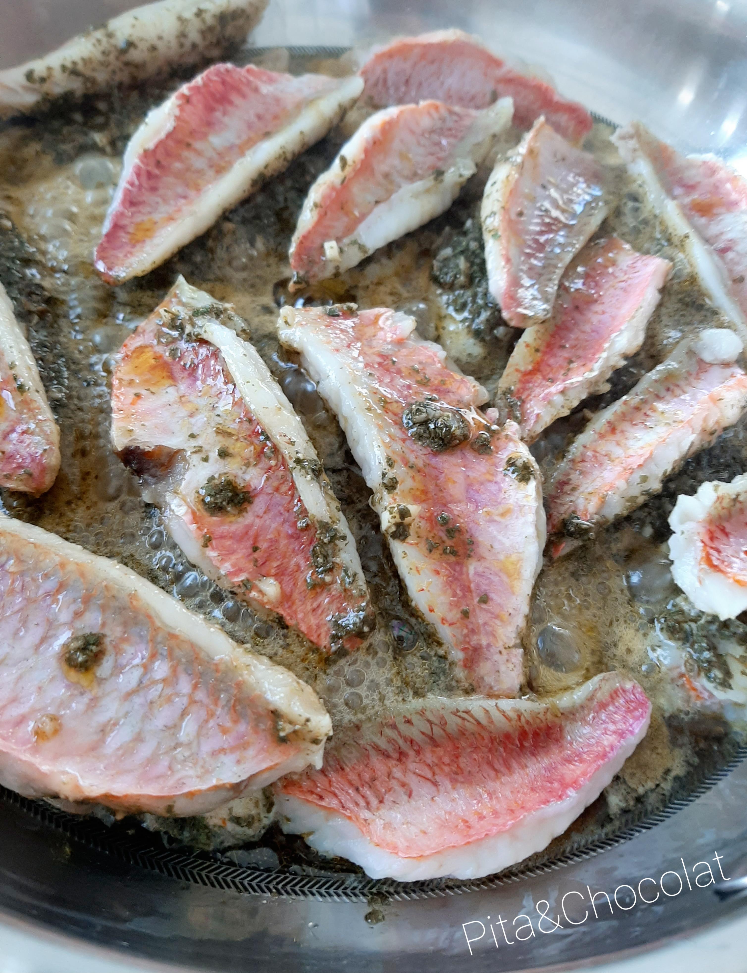 Rougets farcis à la sauce chermoula