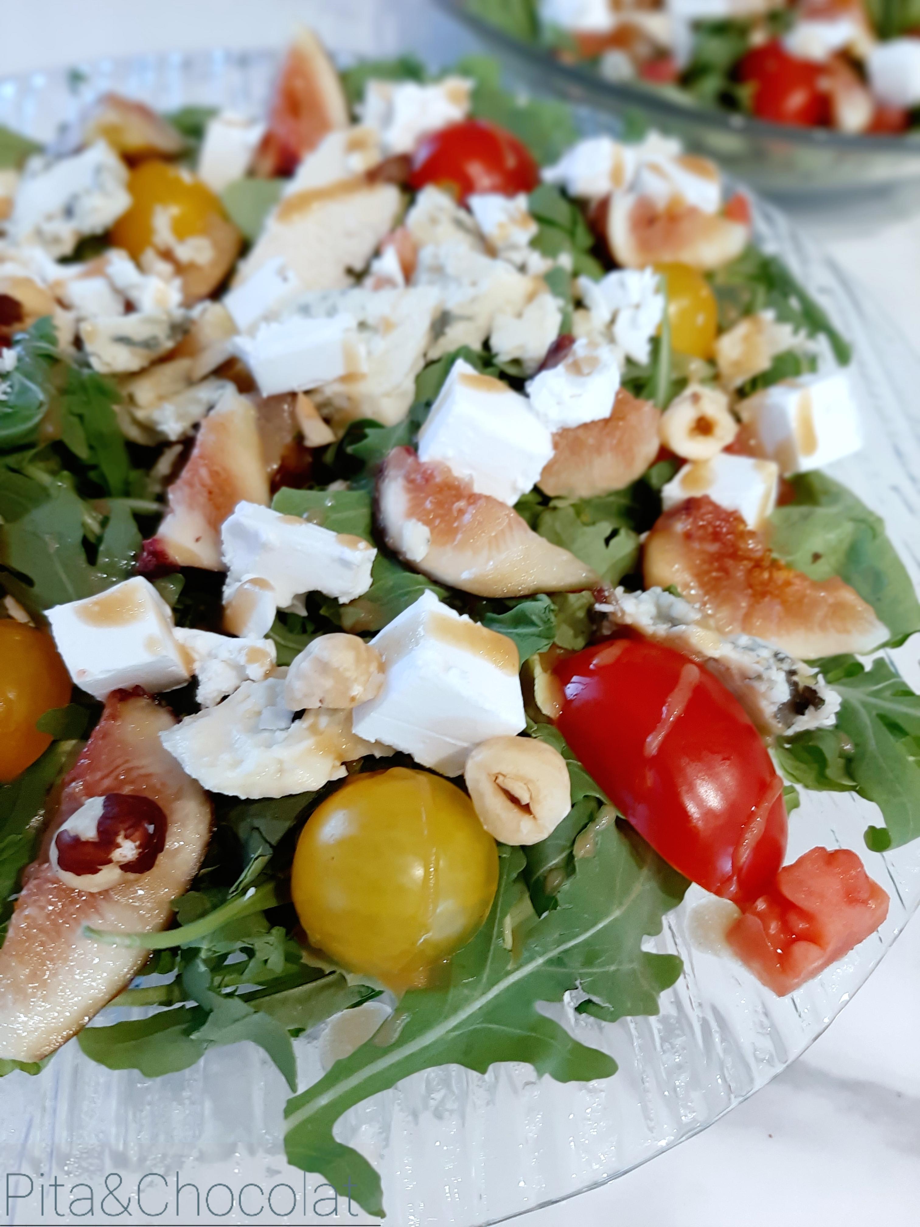 Salade d'automne aux figues et roquefort