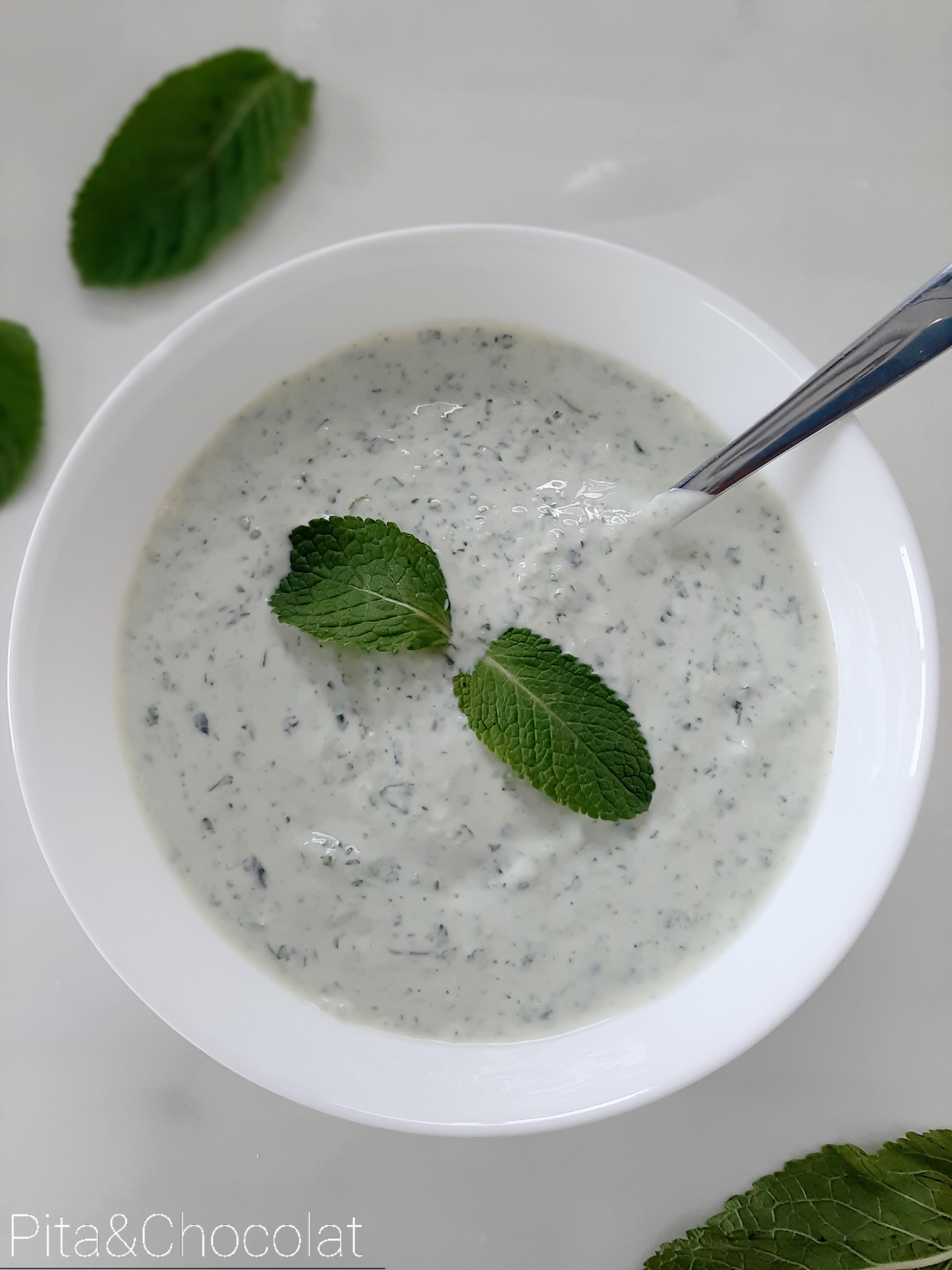 Sauce raïta - sauce indienne au yaourt et concombre