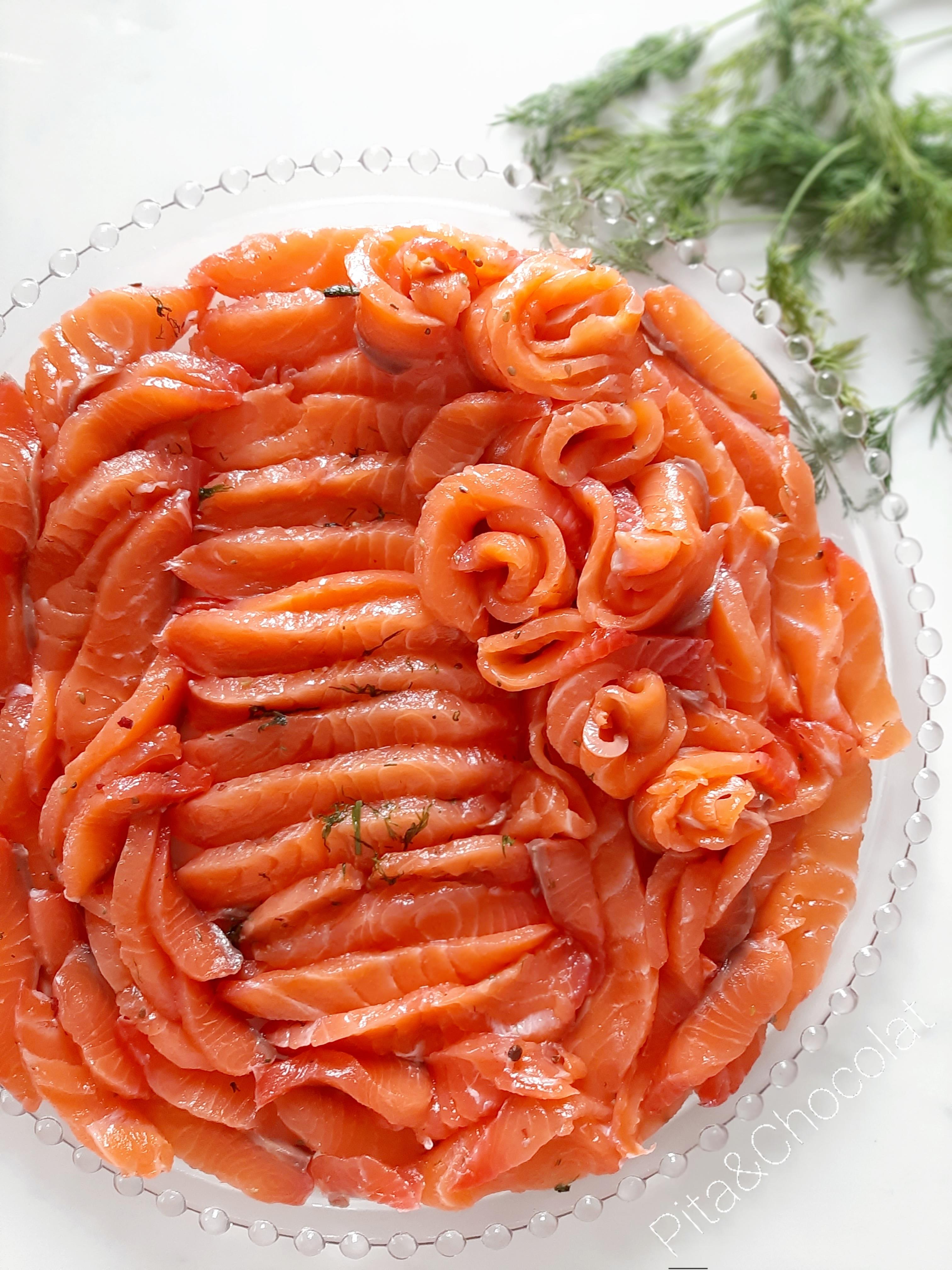 Saumon gravlax - saumon mariné à la scandinave