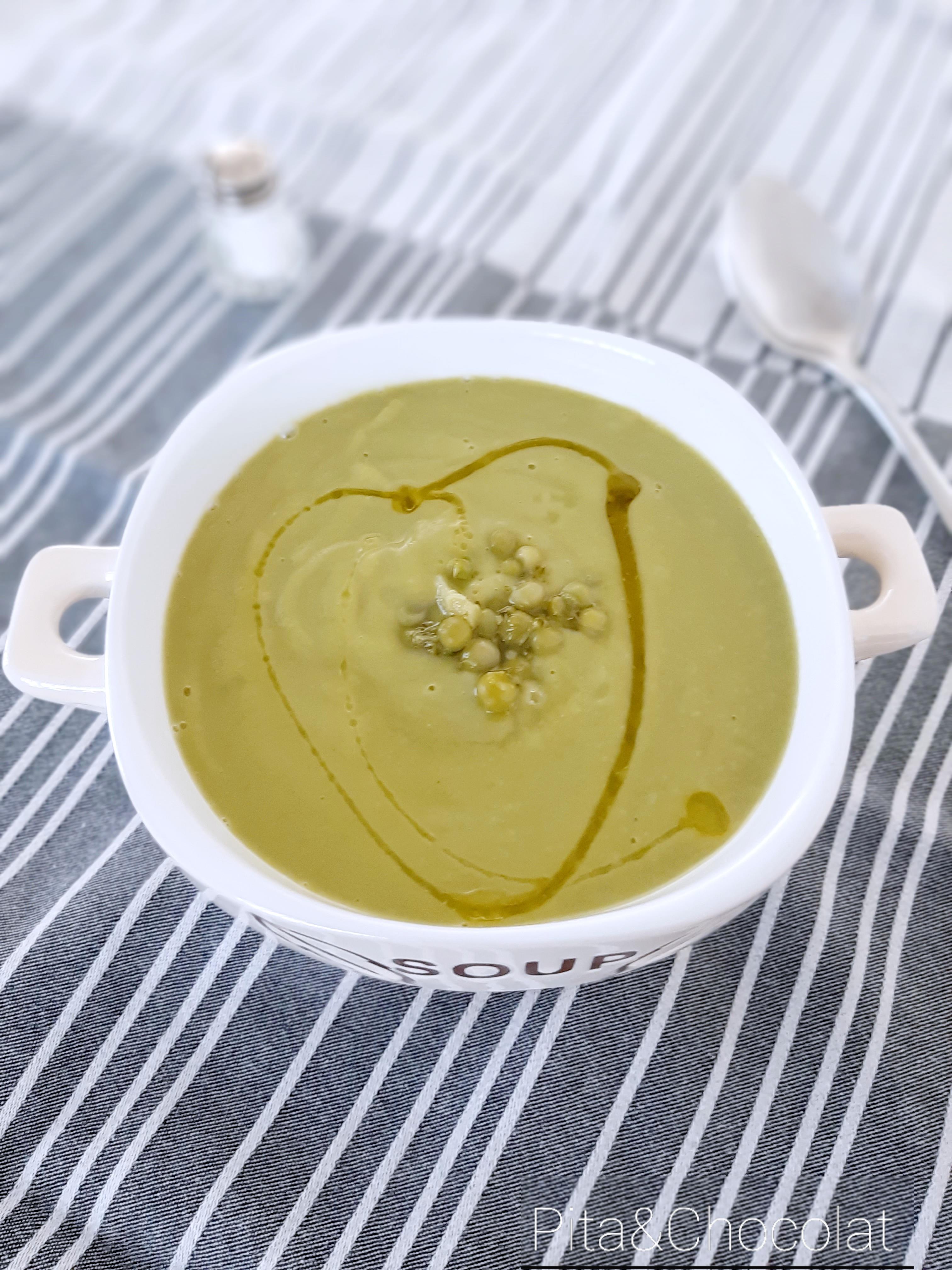 Soupe petits pois, brocolis et courgettes