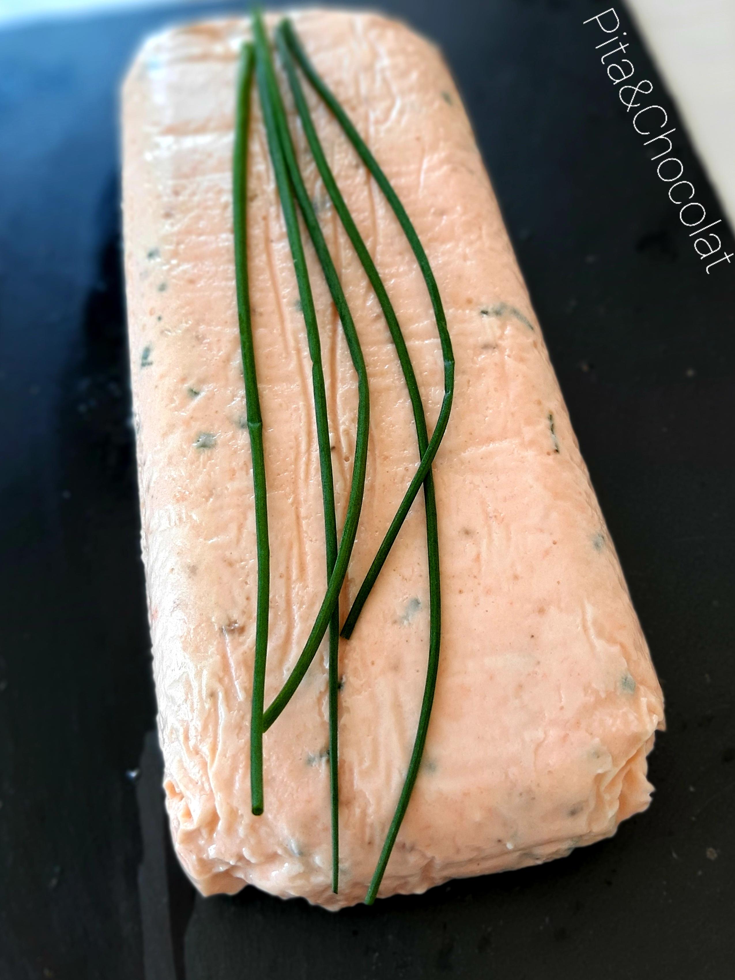 Terrine de saumon à la ciboulette