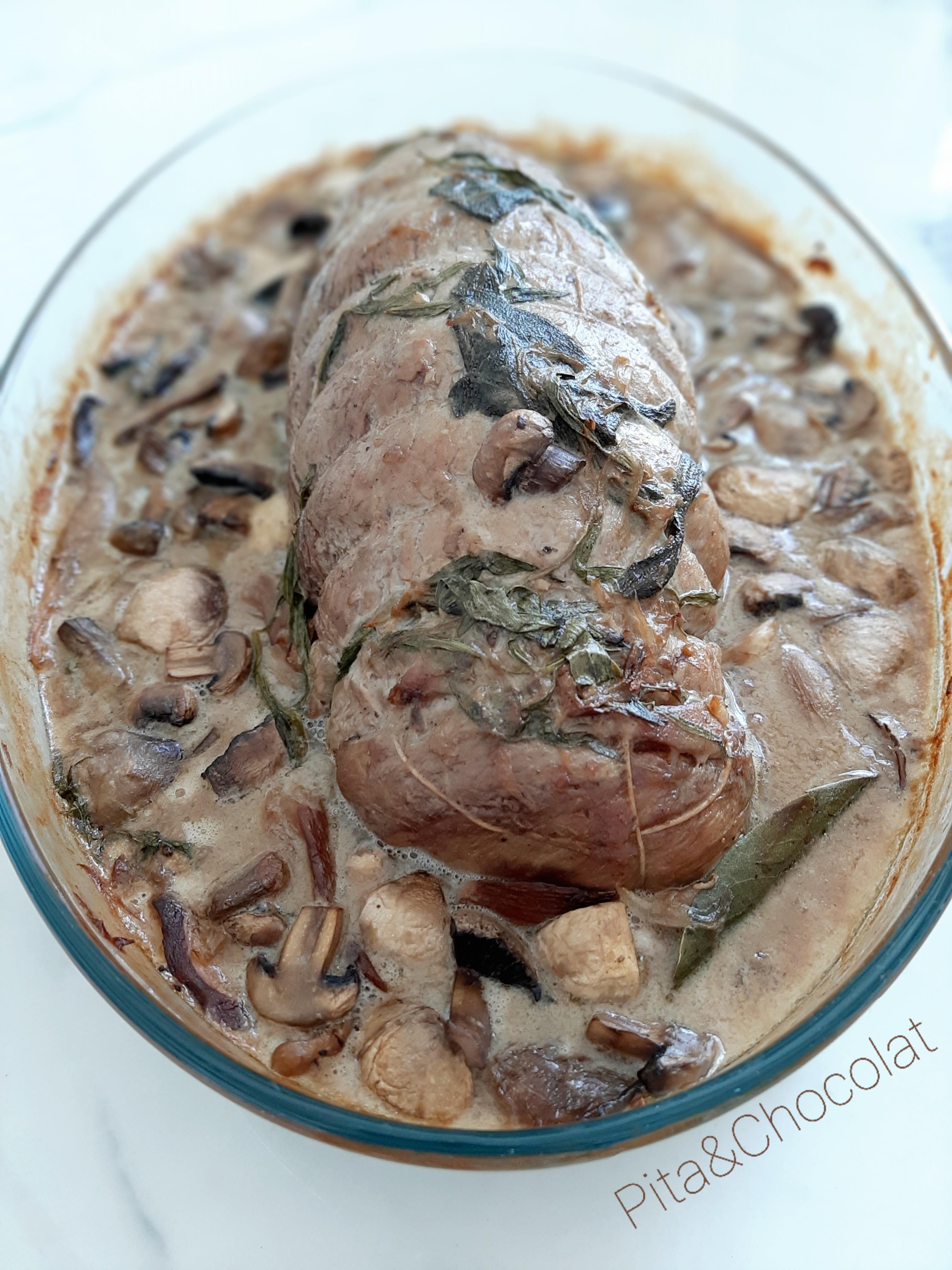 Rôti de veau au four, sauce aux cèpes